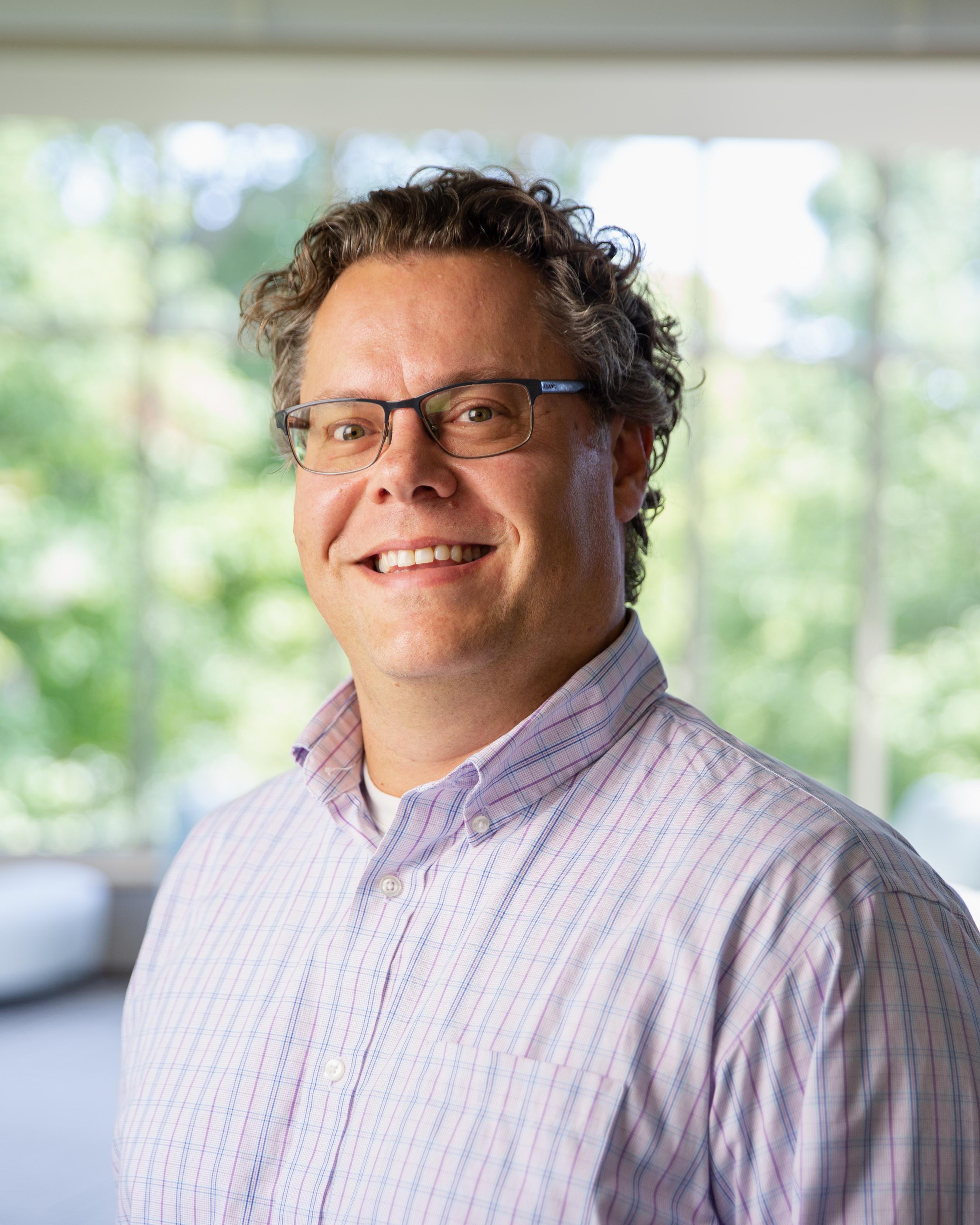 Daniel J Hollerung