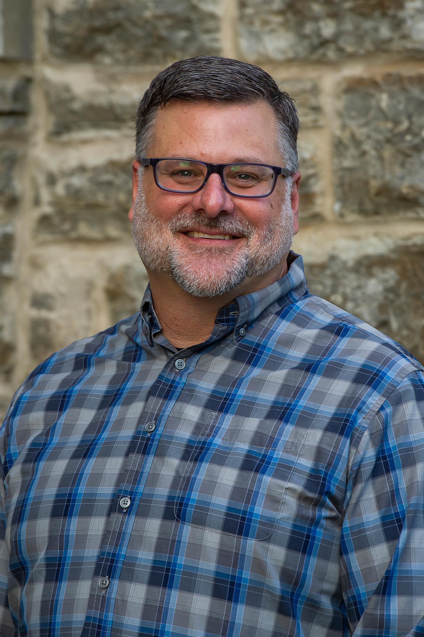 Bryan T Shealer